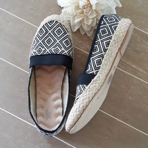 Avon Cushion Walk Aztec Slip On Shoes
